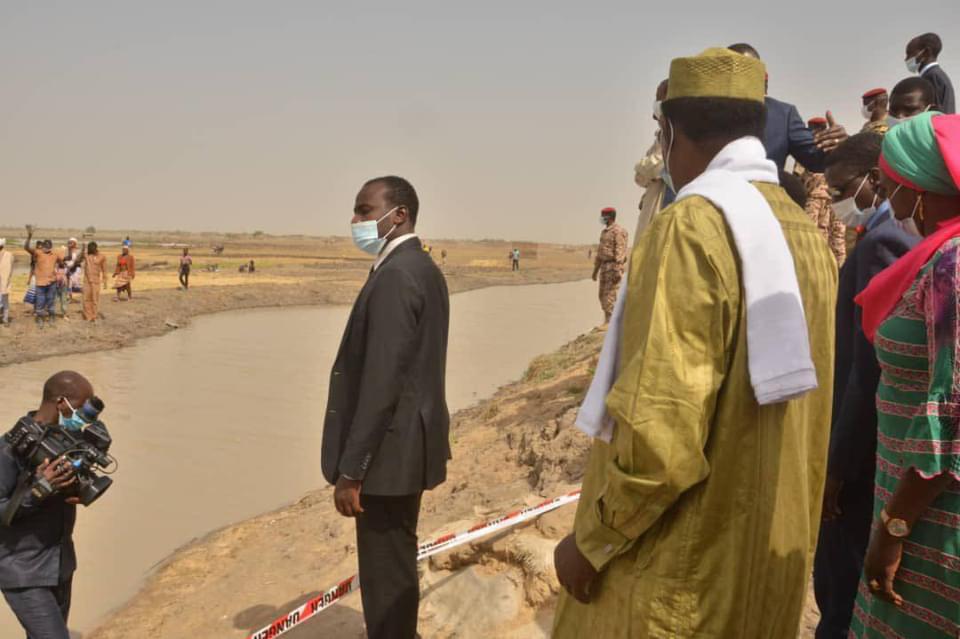 N'Djamena : le président inspecte les travaux de renforcement des digues de Walia