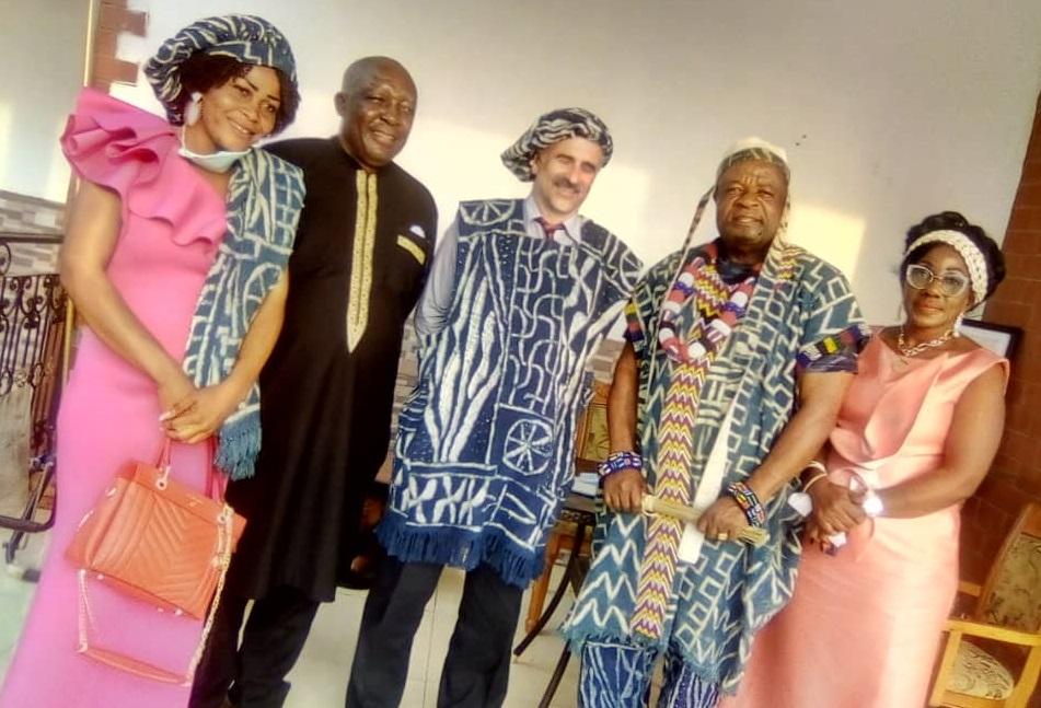 Cameroun : Le Haut-Commissaire du Canada visite la chefferie Bazou