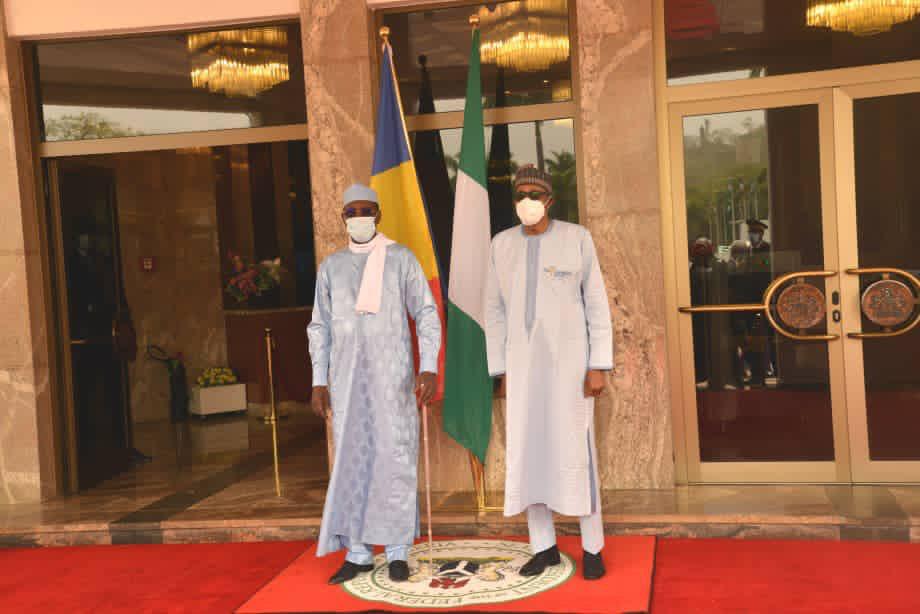 """Buhari : """"Il est impératif qu'il y ait un transfert d'eau vers le lac Tchad"""""""