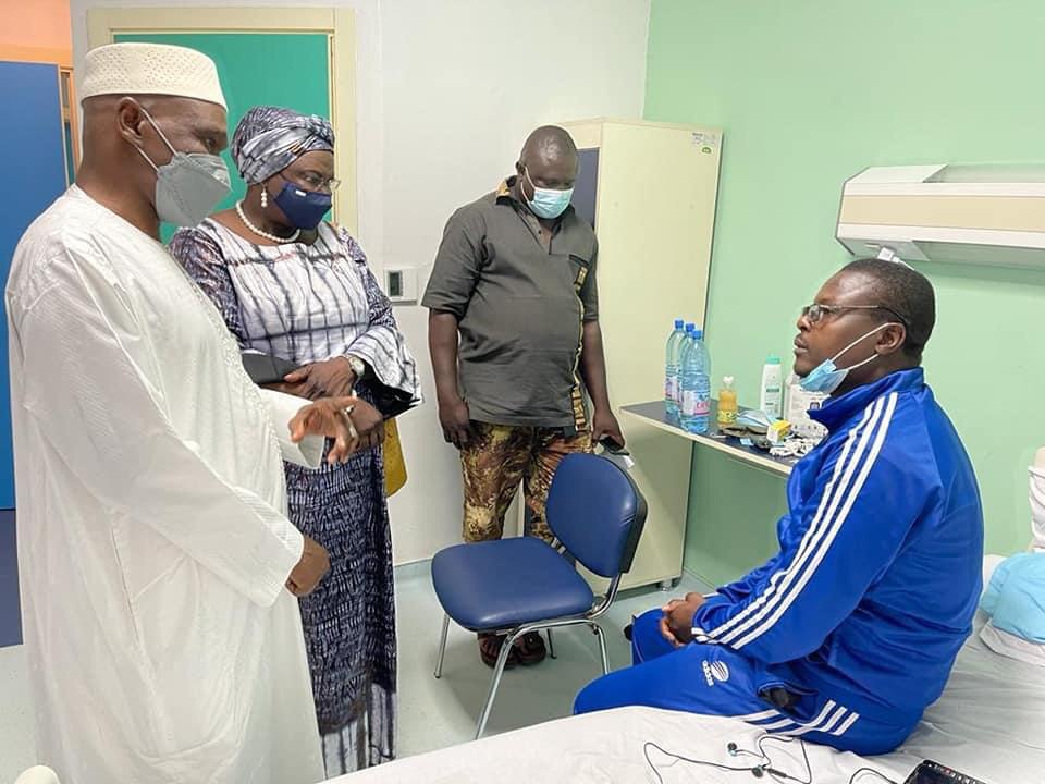 Mali : l'ambassadrice du Tchad au chevet des soldats blessés