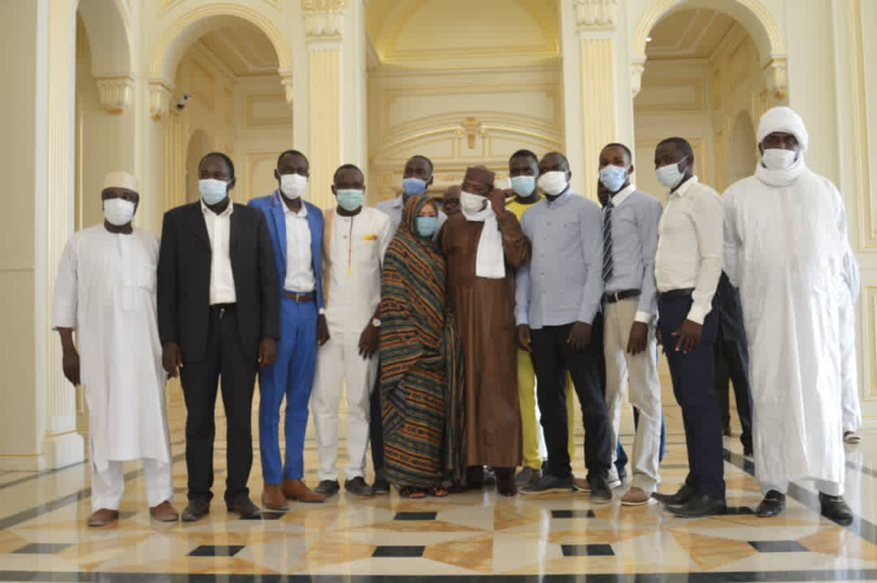 Tchad : le président a reçu l'association des diplômés sans emploi et la Dynamique citoyenne