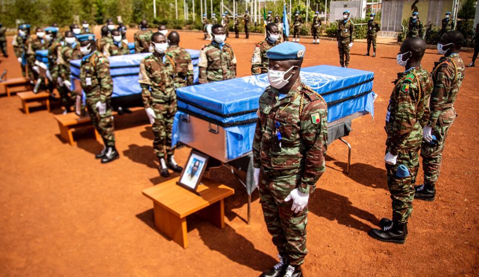 Mali : cérémonie d'hommage aux 4 soldats tchadiens tués à Aguelhok. © MINUSMA