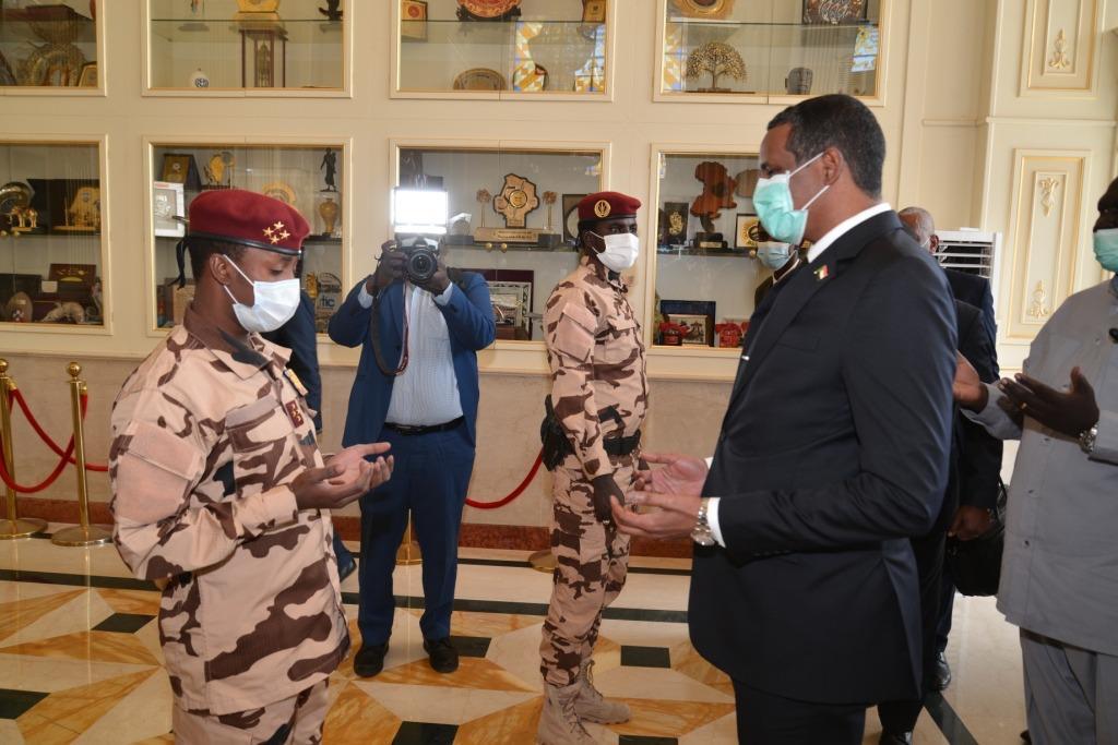 Tchad-Soudan : Le vice-président soudanais reçu par le président du CMT