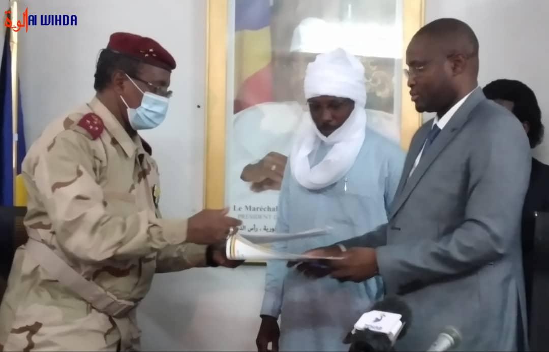 Tchad : le ministre Mahamat Lazina prend ses fonctions
