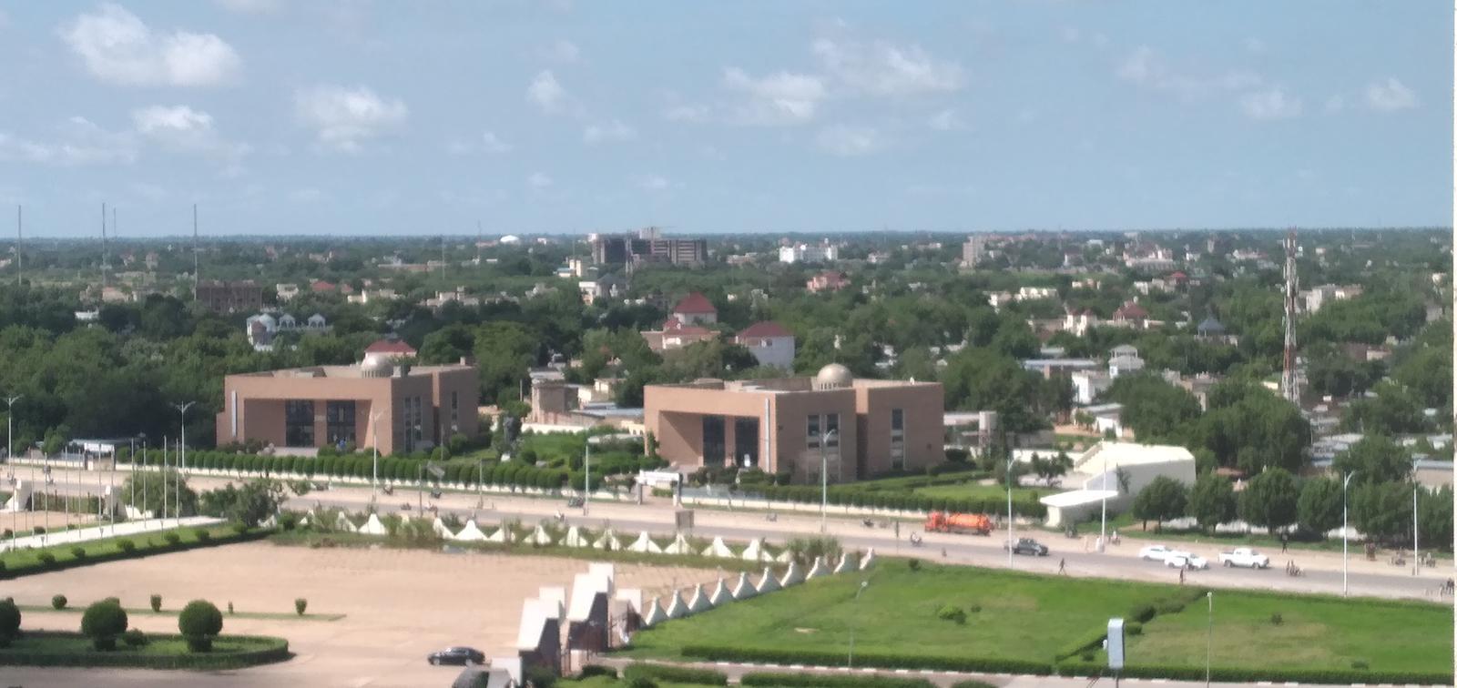 La ville de N'Djamena. Illustration © Ben Kadabio/Alwihda Info