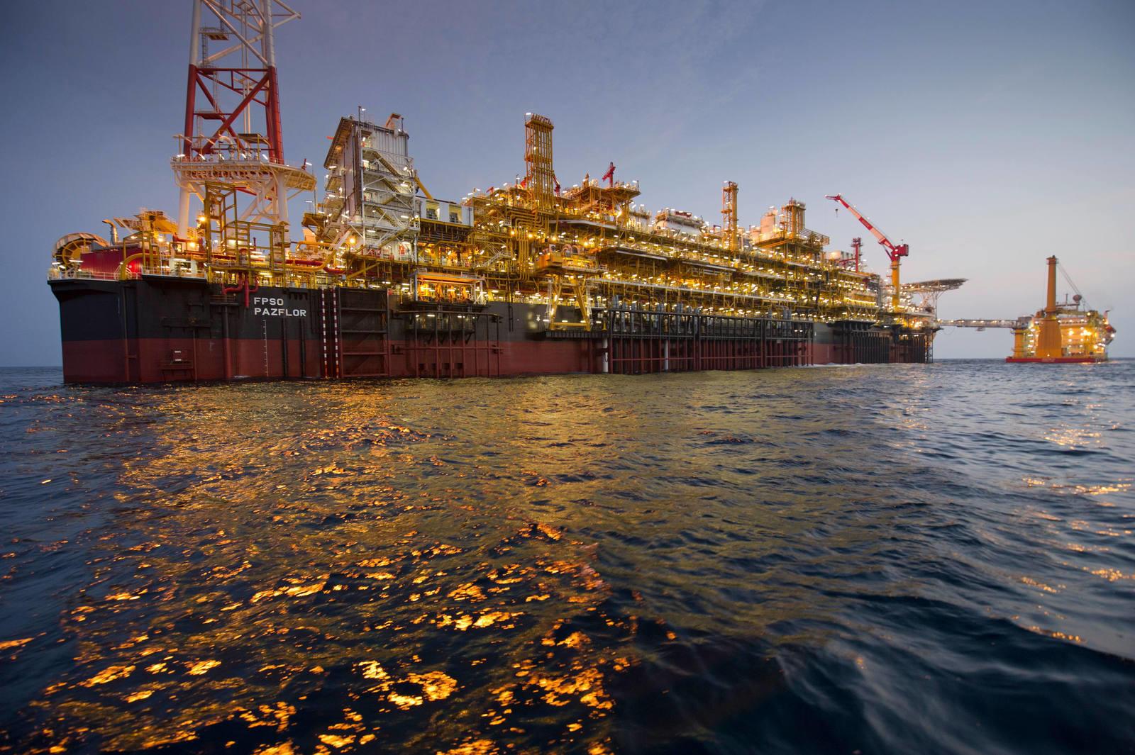 Angola : démarrage de la production du projet pétrolier Zinia Phase 2. © Total