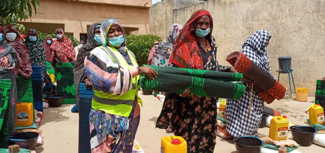 Tchad : Deux ONG distribuent des kits alimentaires aux femmes démunies de Ndjamena