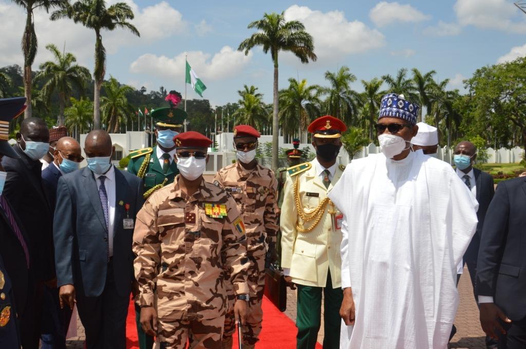 Tchad-Nigeria : entretien entre Mahamat Idriss Deby et Muhammadu Buhari à Abuja. ©PR