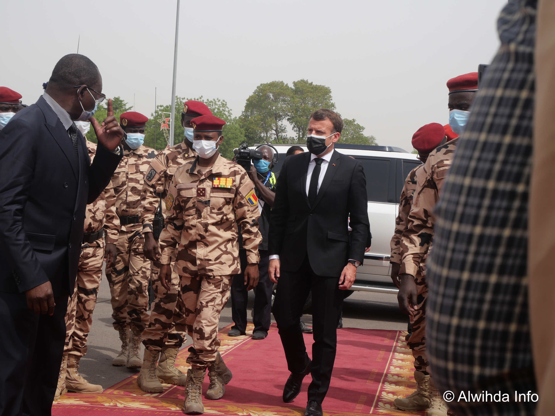 Le général Mahamat Idriss Deby et le président français Emmanuel Macron. © Malick Mahamat/Alwihda Info