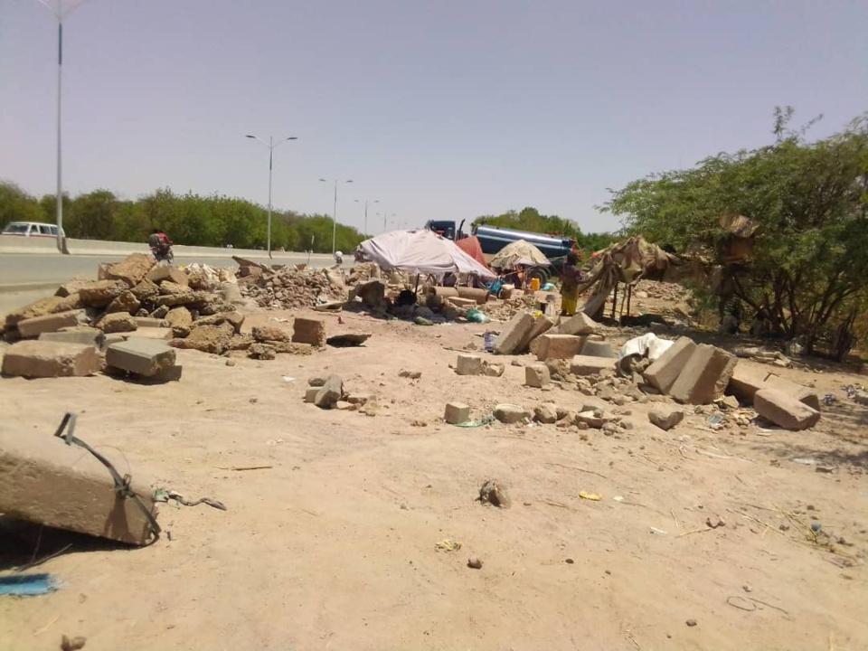 Tchad : le concassage, une activité de survie à N'Djamena