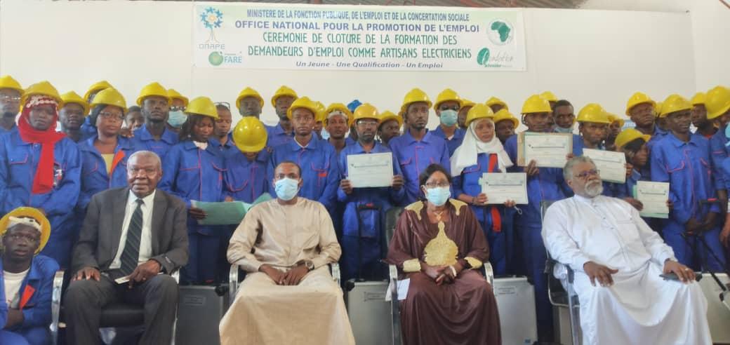 Lutte contre le chômage au Tchad : l'ONAPE forme 84 artisans-électriciens