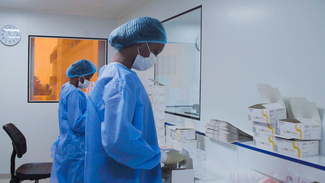 Sénégal : une usine de production de vaccins à grande échelle sera construite