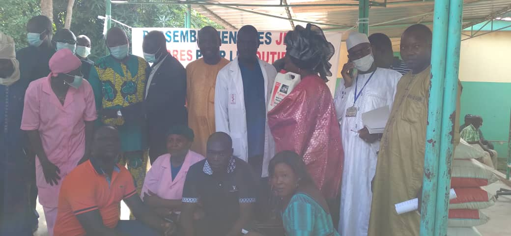 Tchad : le RJCS/CMT offre des produits alimentaires à l'hôpital de Moundou