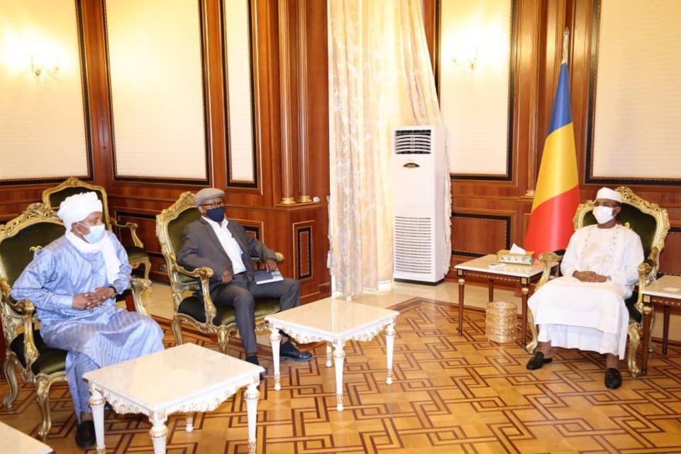 Tchad : le président du CMT a reçu d'anciens politico-militaires