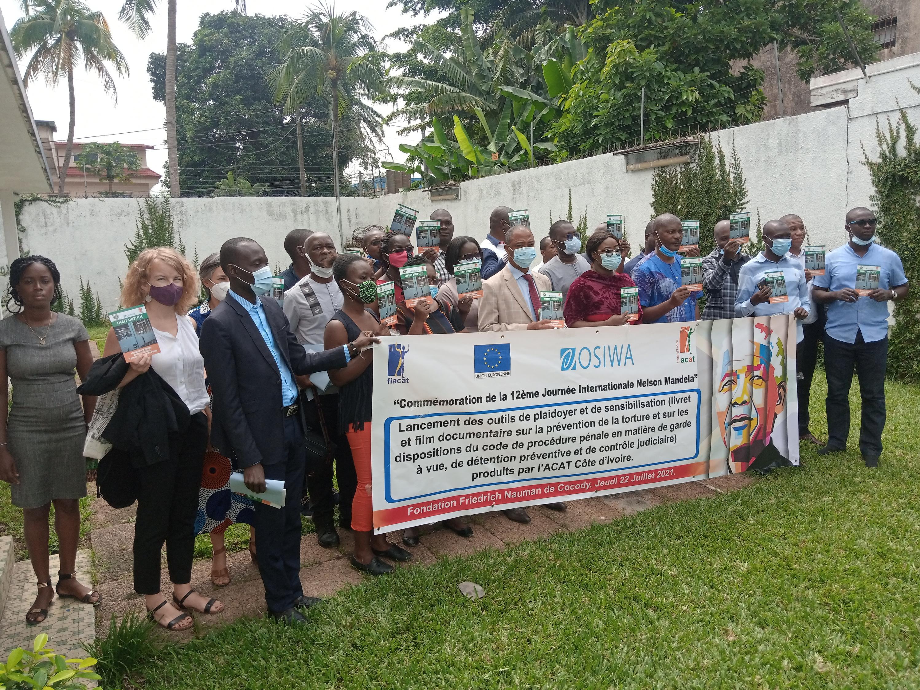 Côte d'Ivoire : l'Acat présente les outils de plaidoyer et de sensibilisation en matière de contrôle judiciaire