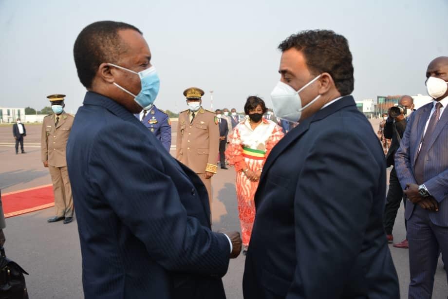 Denis Sassou N'Guesso et Mohamed Manfi à l'aéroport international Maya-Maya.
