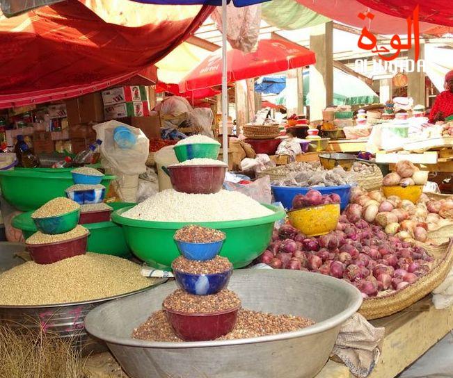 Des denrées alimentaires dans un marché de N'Djamena. © Yana Abdoulaye/Alwihda Info
