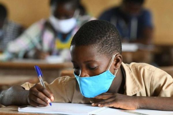 Togo : la gratuité des inscriptions aux examens officiels a coûté 1,9 milliards FCFA à l'État. © RT
