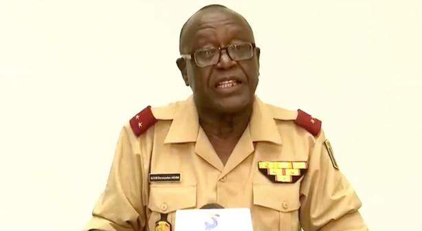 Le général Azem Bermandoa Agouna, porte-parole de l'état-major des armées.