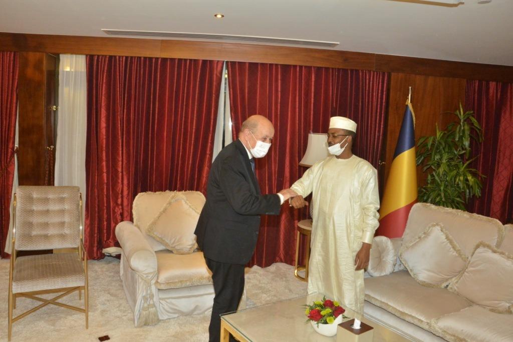 Qatar : Mahamat Idriss Deby a reçu le chef de la diplomatie française. © PR