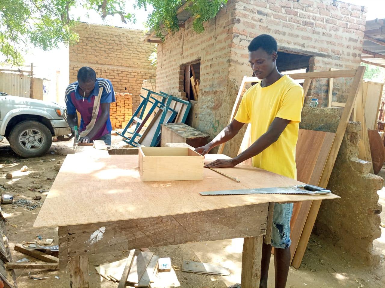 Tchad : la menuiserie bois, un métier qui fait rêver des jeunes