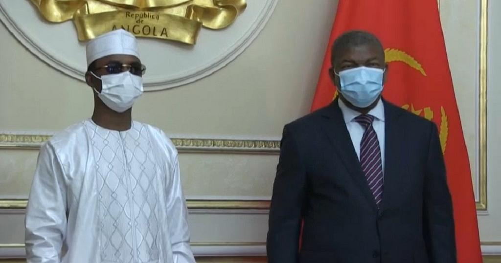 Le président Mahamat Idriss Deby, aux côtés du président angolais Joao Lourenço.    Copyright © africanews Cleared