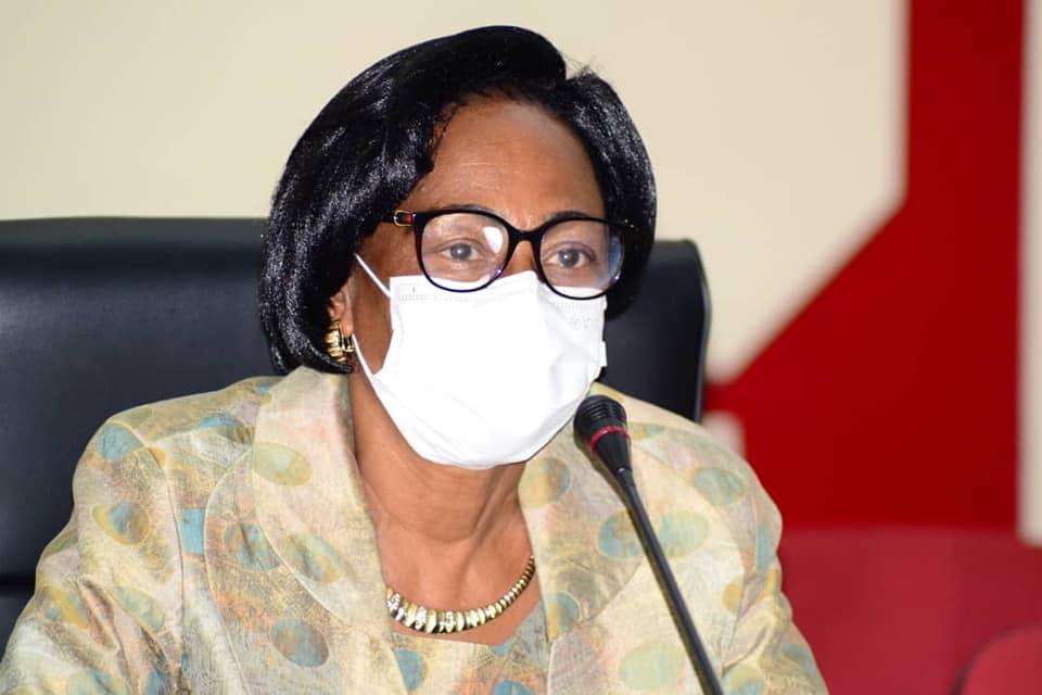 Mme le maire de Libreville.