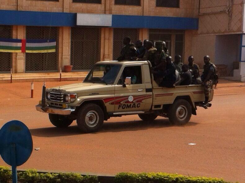 Une patrouille de soldats tchadiens de la FOMAC, ce matin à Bangui. Crédit photo : Peggy Bruguière/I-Télé.