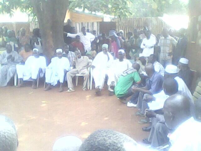 Bangui : Les chrétiens et musulmans réunis au quartier Yembi appellent à la réconciliation. Observateurs France 24