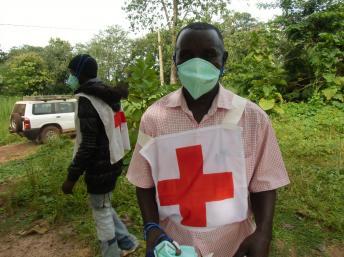 Arrivée de la Croix-Rouge pour l'inhumation d'un corps en Centrafrique. RFI