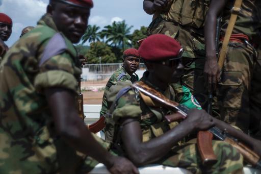 Des soldats tchadiens de la Fomac patrouillent le 11 décembre 2013 à Bangui afp.com - Fred Dufour