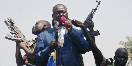 L'ex-président centrafricain François Bozizé s'exprime devant ses partisans à Bangui, le 27 décembre. | Reuters/STRINGER