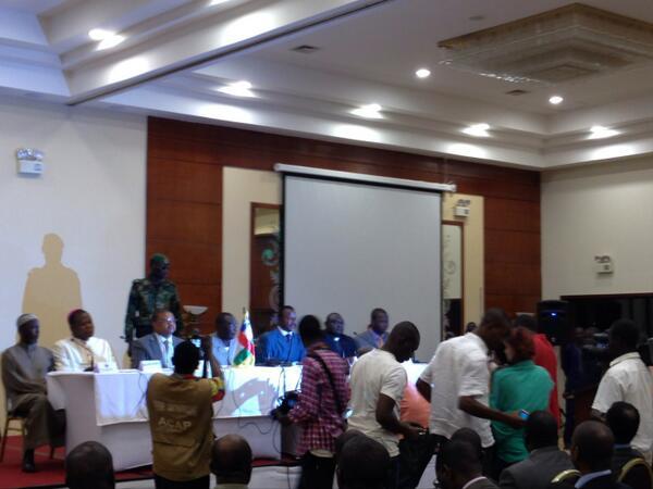 Le Président de la Transition Michel Djotodia lors d'une conférence de presse ce matin. Crédit photo : @noy_rca