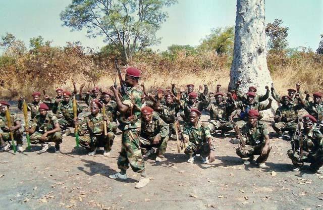 Les ex-rebelles du FDPC de la coalition Séléka, dans la brousse. Centrafrique. Photo : © Alwihda Info