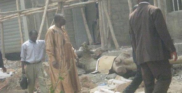 Michel Djotodia sur un chantier de construction au Bénin. Crédit photo : La Nouvelle Tribune