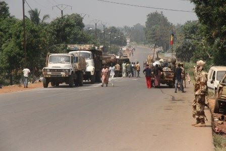 L'armée tchadienne quadrille le secteur où un camion de l'armée s'est renversé. © Diaspora Media