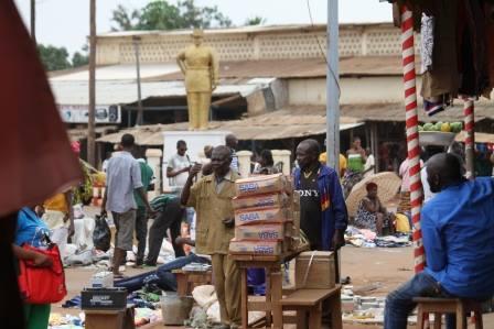 Centrafrique : Les commerçants musulmans décident de rouvrir leurs portes. Crédits photo : Diaspora Media.