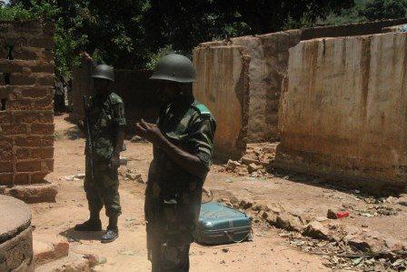 Le corps d'un soldat congolais retrouvé dans un puis à Bangui. Crédit photo : Diaspora Media