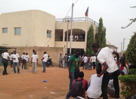 Ouagadougou : Sit-in des étudiants tchadiens devant l'ambassade