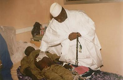 """Sénégal : Président Yaya Jammeh """"guérisseur"""" du Sida, comment cette montagne de propagande et d'intoxication d'Etat s'est effondrée…"""