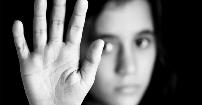 Duplicité des responsables politiques et militaires dans la lutte contre les violences faites aux femmes par des militaires