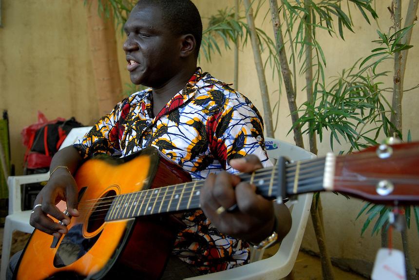 Tchad : Beral Mbaïkoubou lance son deuxième livre