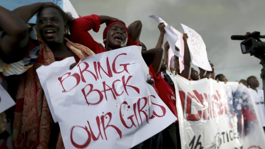 Des femmes manifestent pour les 200 écolières enlevés par Boko Haram.  Credit: REUTERS/Afolabi Sotunde