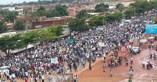 """Burkina: """"Le printemps noir"""" servira t-il d'exemple aux présidents à vie?"""