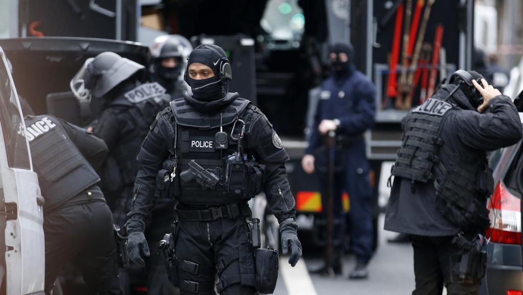 France: Les auteurs du massacre de Charlie Hebdo localisés par la police