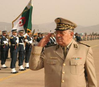 Intervention en Libye : Le général Ahmed Gaid Salah irrite le Tchad