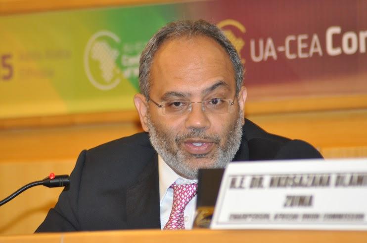 M. Carlos Lopes, Secrétaire exécutif, CEA, s'adressant aux Gouverneurs des banques centrales pendant la Conférence des Ministres 2015 à Addis Abeba