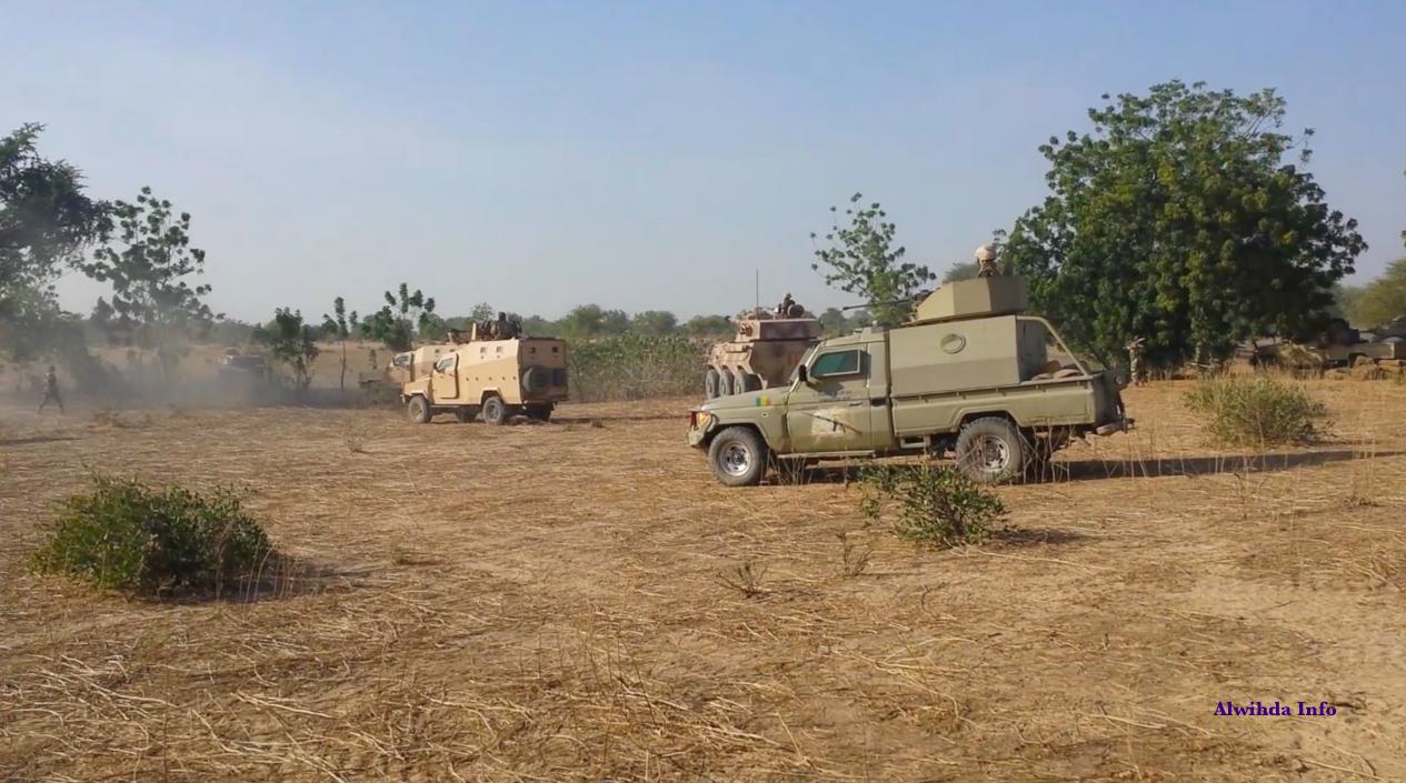 Des blindés de l'armée tchadienne ripostent à une tentative d'embuscade de l'armée tchadienne. Alwihda Info