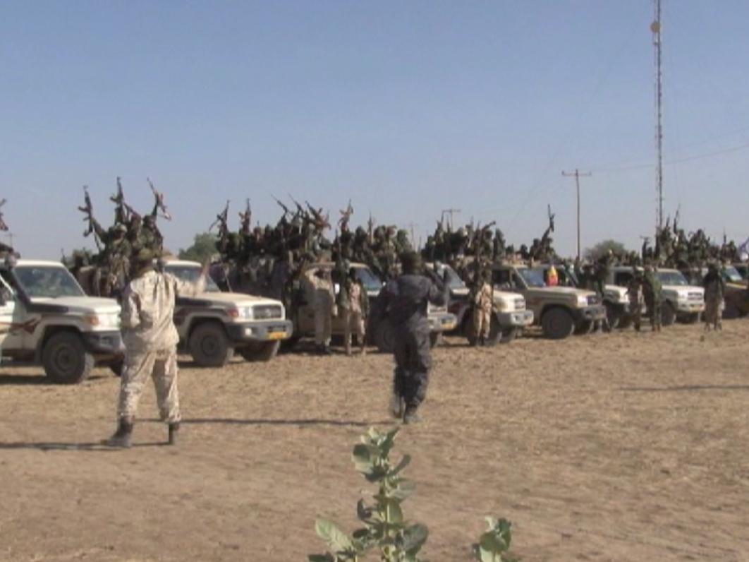Des soldats tchadiens de retour du Nigeria et du Niger, à la sortie nord de la capitale.