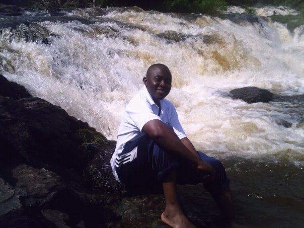 "Christophe Bobiokono,le ""super""journaliste camerounais(crédit photo:FB-cb)"
